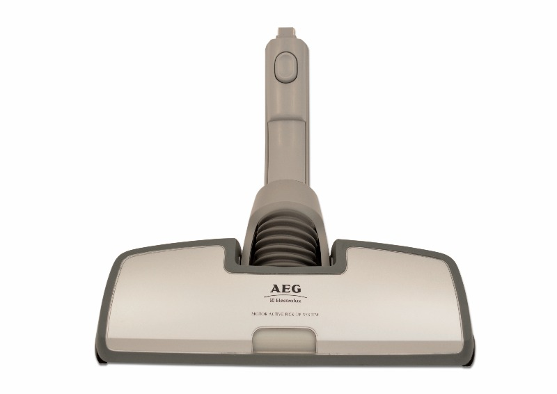Aeg bodend se motor active pick up system sumo atc 8240 for Electrolux motor active pickup system